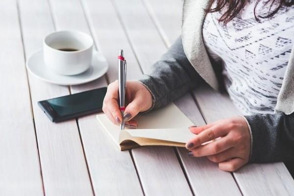 Ternyata Menulis Dapat Menghilangkan Rasa Stres!