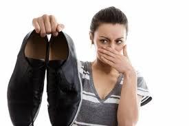 Trick Gampang Merawat Sepatu Dari Bau Kaki